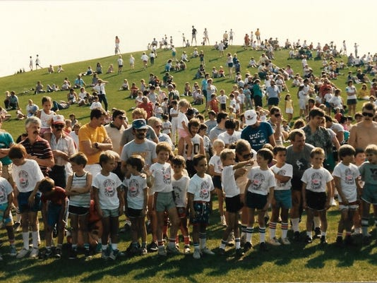 636286269013631525-AAP-AS-0430-Fun-Run-front-1988-youth-run.jpg
