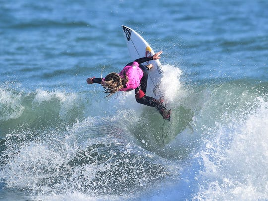Melbourne Beach's Caroline Marks, 15, powers her way into the quarterfinals of the Florida Pro at Sebastian Inlet.