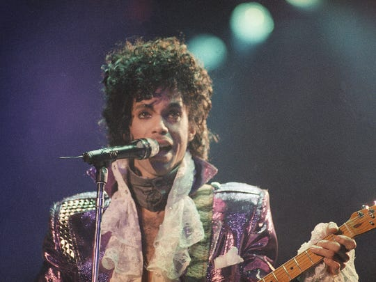Prince performs on Feb. 18, 1985, at the Forum in Inglewood, Calif.