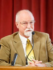 Psychiatrist James W. Dennert testifies in the trial