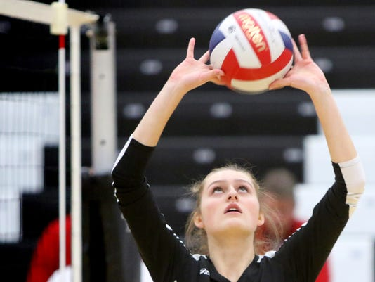 Pewaukee Girls Volleyball