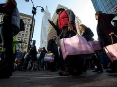 Holiday spending jumps 7.9%, fueled by savings on gas
