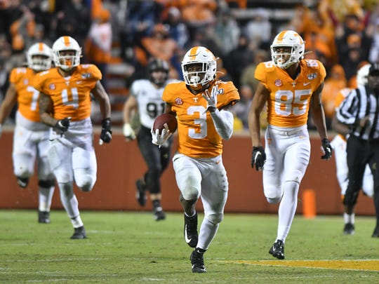 Nov 30, 2019; Knoxville, TN, USA; Tennessee Volunteers running back Eric Gray (3) runs for a touchdown against the Vanderbilt Commodores during the first half at Neyland Stadium. Mandatory Credit: Randy Sartin-USA TODAY Sports