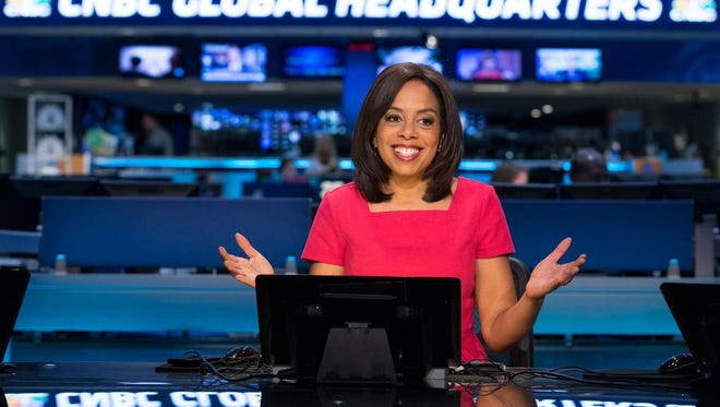 CNBC's Sharon Epperson has some sound strategies to help you avoid busting your holiday budget.
