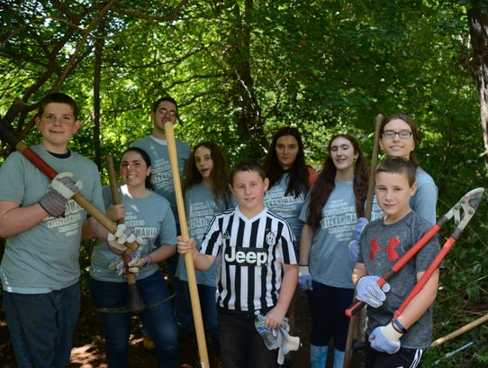 """Teens spruce up Union County's """"Floating Wetlands"""""""