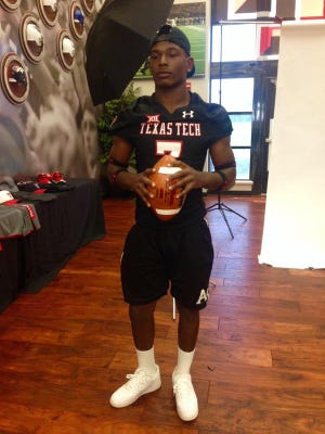 Kevin Moore commits to Texas Tech