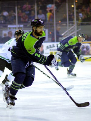 The Ice Flyers re-signed rookie defenseman Anthony Calabrese, who made an immediate impact last year in team's championship run.