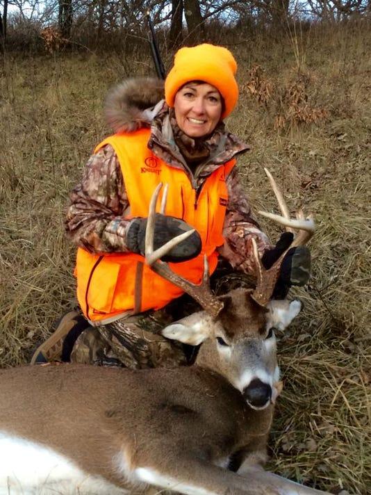 Reynolds Deer 2015.jpg