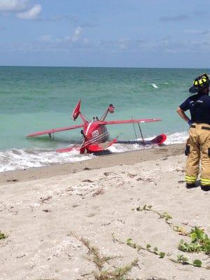 Small plane crashed off Siesta Key in Sarasota