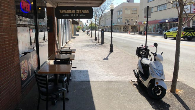 Savannah's unemployment rate is falling as more and more businesses, including downtown restaurants and retail, reopen and customers return.