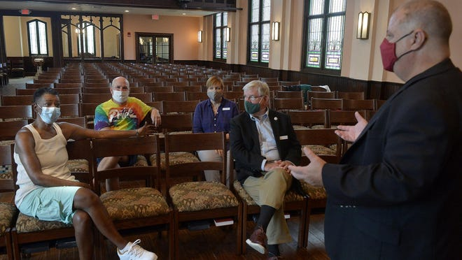 From left: Valori Armstrong, Lance Wilhelm, Janet Wagner, Preston Hodges and the Rev. Billy Hester at Asbury Memorial Church. [Steve Bisson/savannahnow.com].