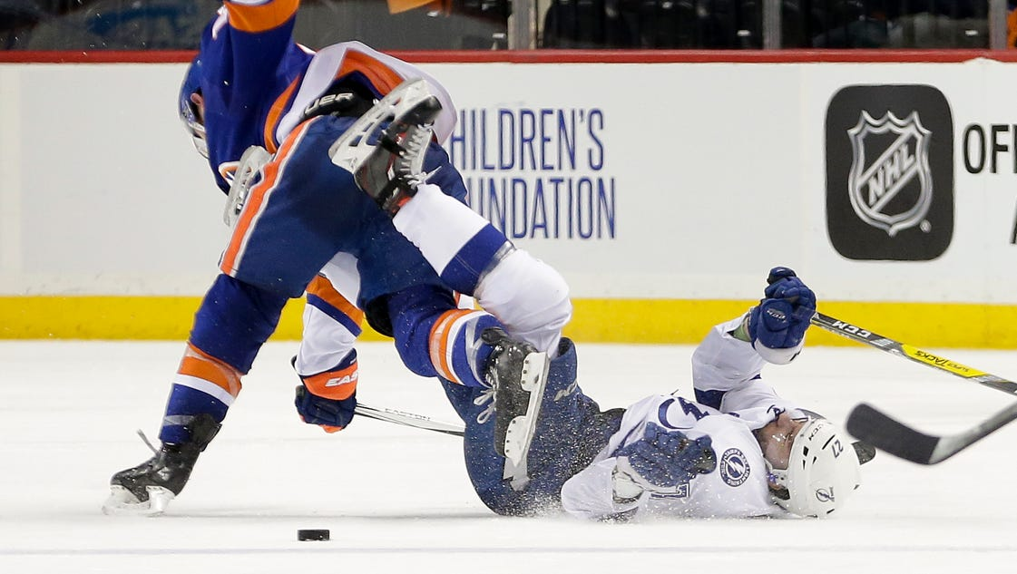 635979085001465014-ap-lightning-islanders-hockey