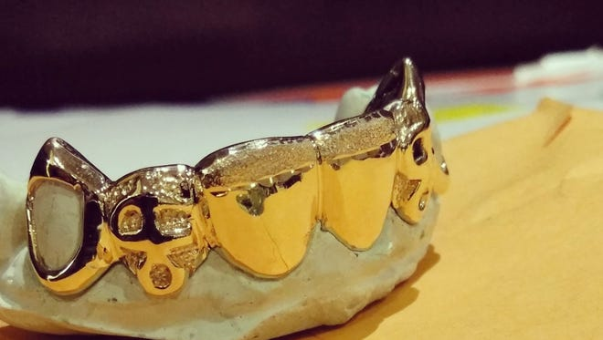 An example of what Delaware Custom Grillz does.