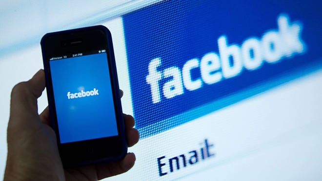 The Ice Bucket Challenge and the death of Robin Williams were popular topics on Facebook this year.