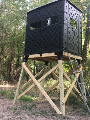 Luke Clayton's friend Jeff Rice recently set up this lightweight but strong Snap Lock Hunting Blind on his property. This blind is a far cry from some of the earlier stands Luke hunted from in his younger days.