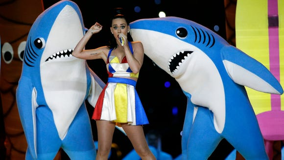 AP KATY PERRY DANCING SHARKS S FBN ENT FILE USA AZ