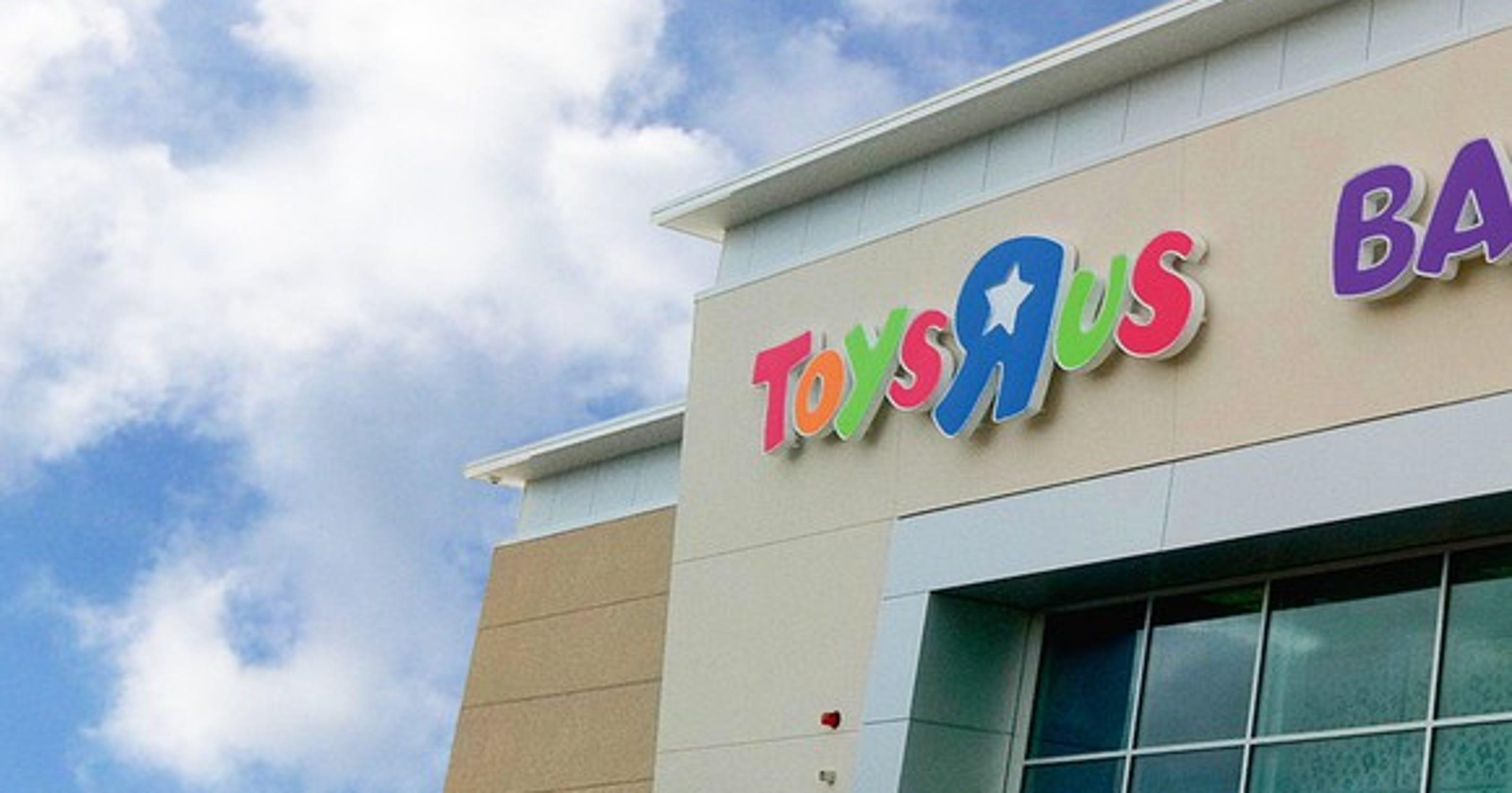 Amazon Didn T Kill Toys R Us Greedy Wall Street Profiteers Did It