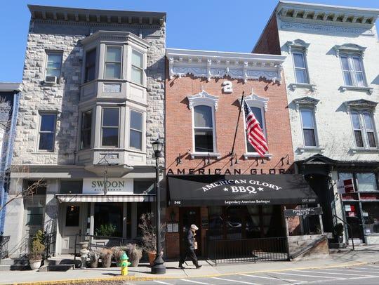 Swoon Kitchenbar and American Glory BBQ on Warren Street