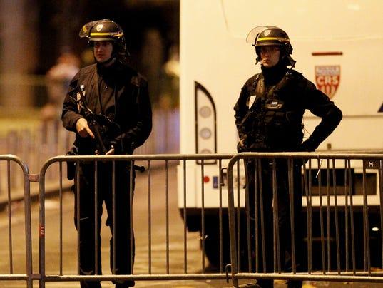 2015-11-13 France police