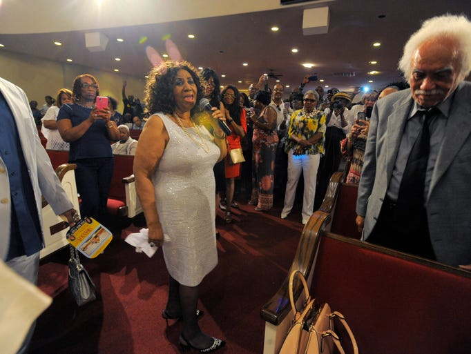 Aretha Franklin performs at New Bethel Baptist Church,