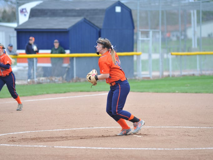 Galion vs. Harding softball on April 3, 2017.