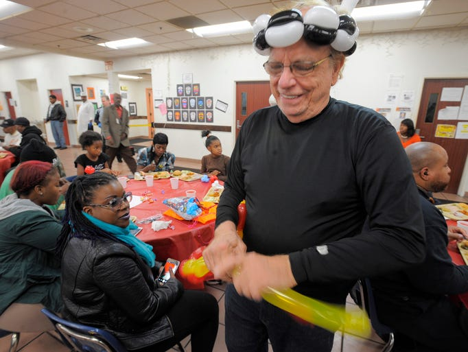 Capuchin Volunteers Give Thanks By Giving Back