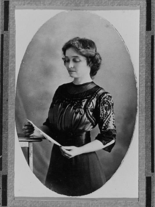 Olive-Tilford-Dargan-c1905-charlotte-young-coll-unca.jpg