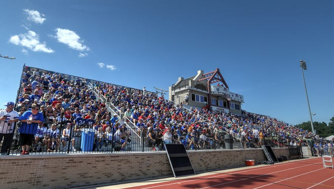 A big crowd for the last weekend practice during Bills Training Camp at St. John Fisher college.