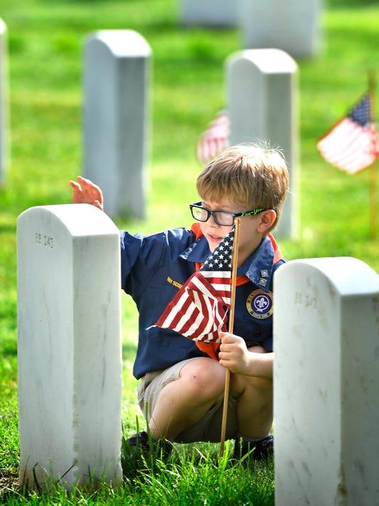 636629456831180142-nas-memorial-day-flags-01.jpg
