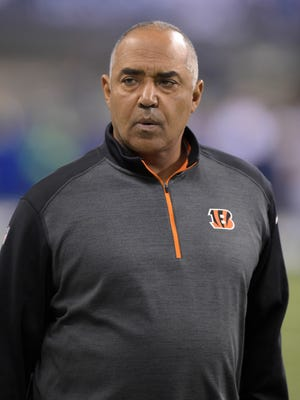Whether you agree with the re-upping of Bengals head coach Marvin Lewis' contract, Paul Daugherty writes why stability is a good thing.
