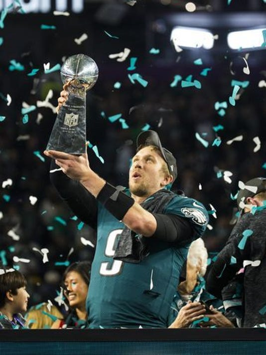 273808a0d Eagles quarterback Nick Foles signs incentive-laden contract with Eagles