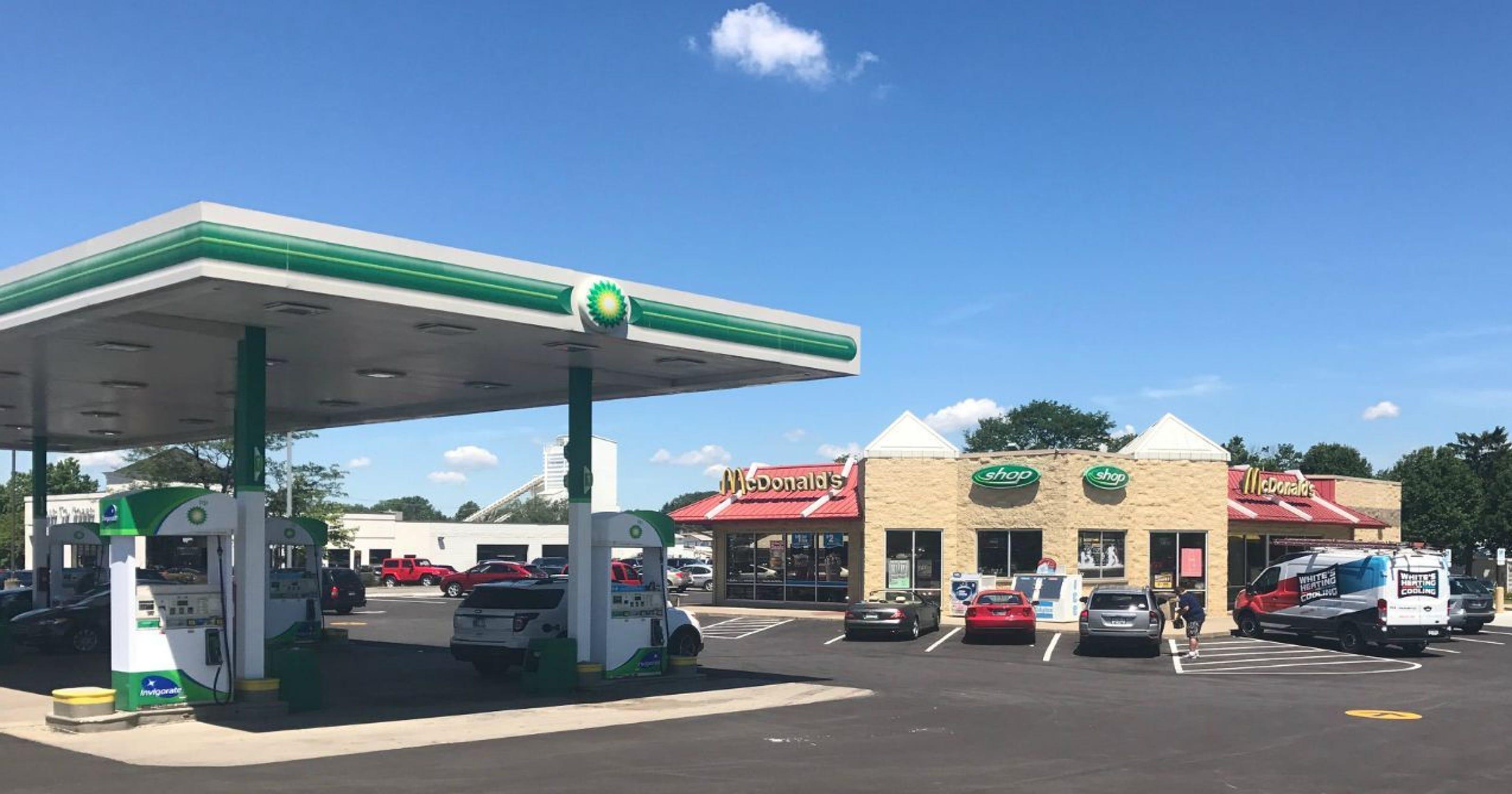 Fishers gas station clerk arrested in gun incident