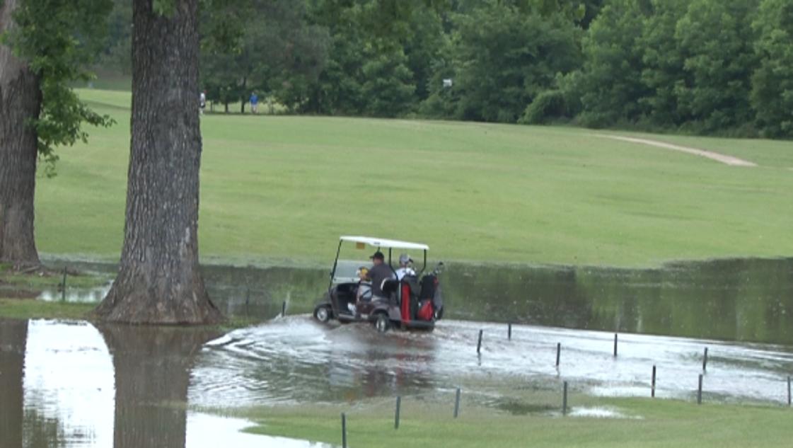 Golf tournament in full swing despite flooding