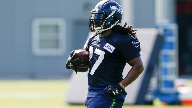 Eddie Lacy's move to Seattle adds a level of intrigue to the Packers' opener against the Seahawks.