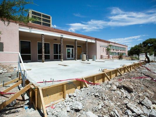 070516 La Clinica Construction 1