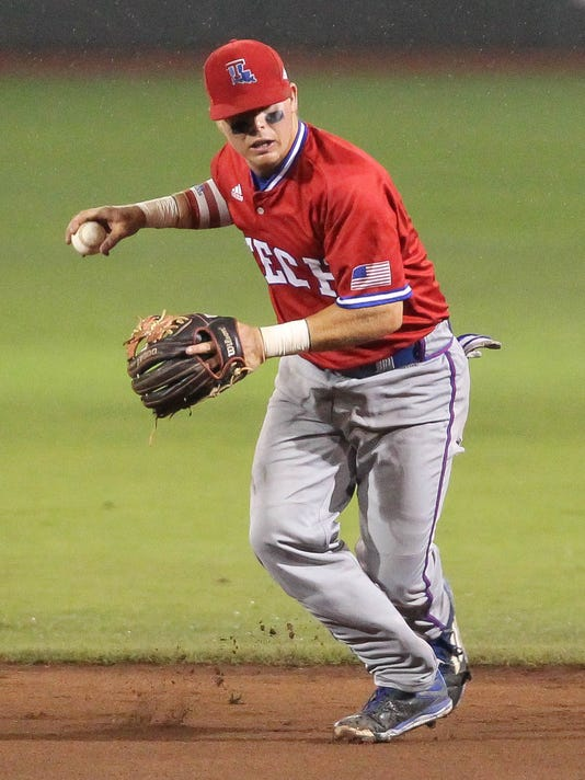Louisiana Tech second baseman Jordan Washam fires the ball to first base against Mississippi State during the first inning of their NCAA college baseball regional tournament championship game at Dudy Noble Field in Starkville, Miss., Sunday, June 5, 2016. (James Pugh/The Laurel Chronicle, via AP)