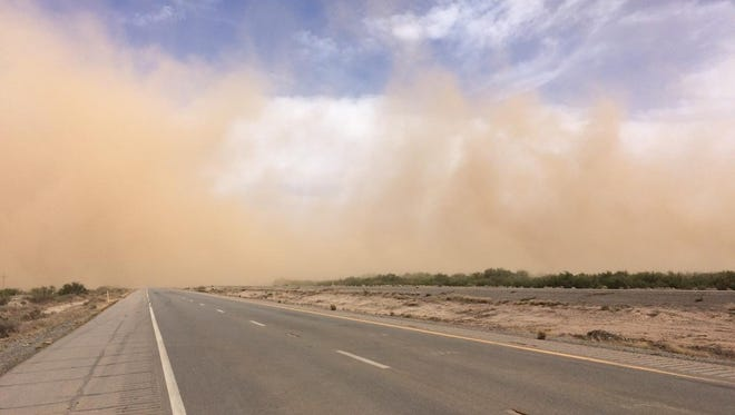 Blowing dust on Interstate 10 led to a temporary closure.