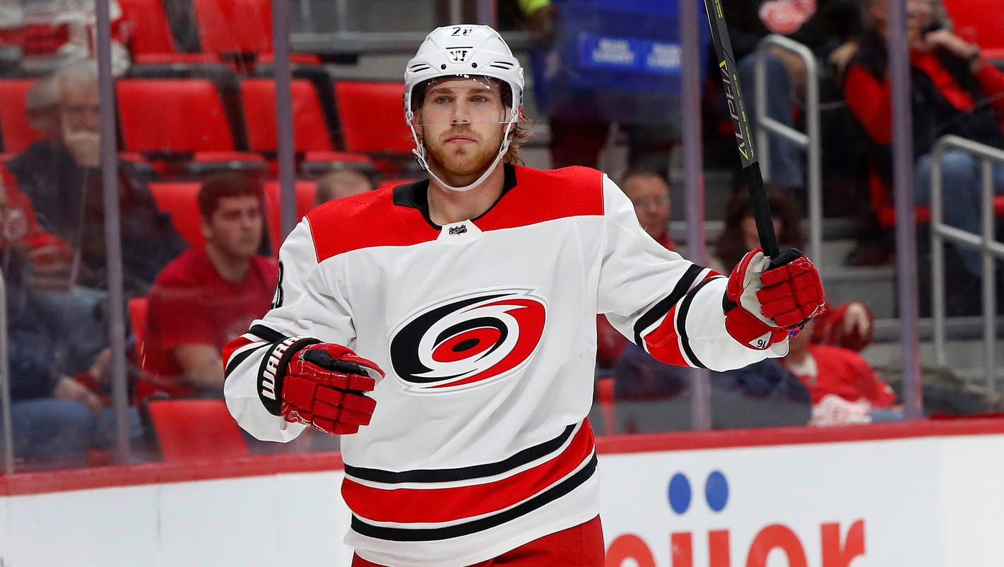 Hurricanes 3, Red Wings 1