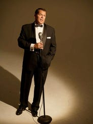 Sean Reilly performs Sinatra 101