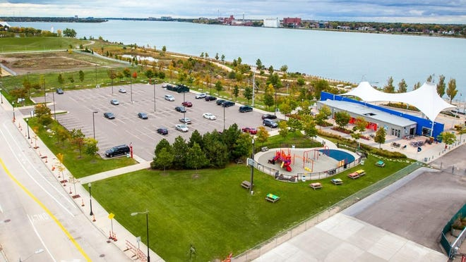 The conservancy has created a fabulous outdoor activity space along the Dequindre Cut from the riverfront to Eastern Market. This is Rivard Plaza, the same stretch of riverfront shown above.