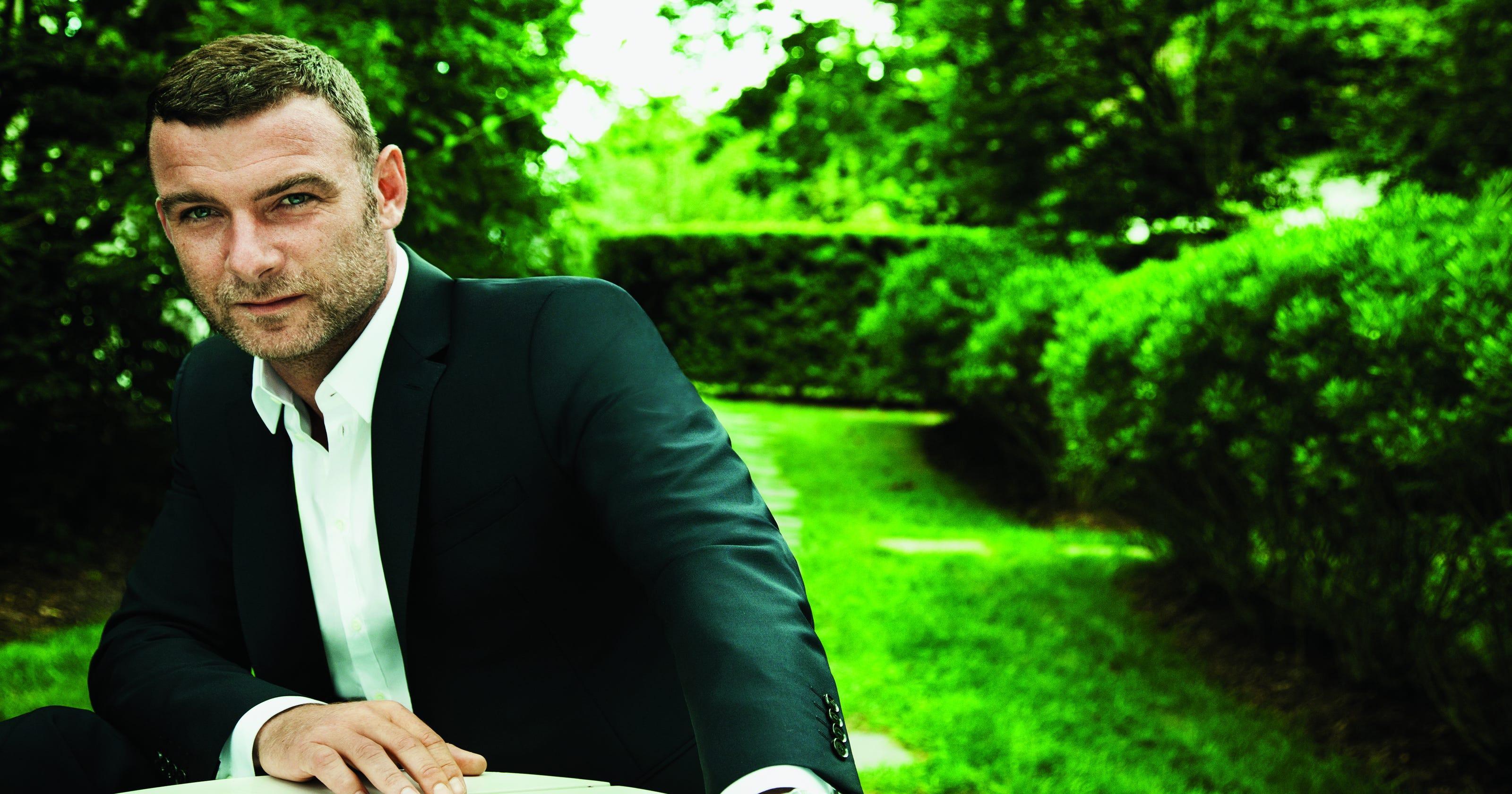 Liev Schreiber likes cigars, Naomi Watts, 'Ray Donovan'