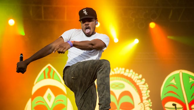 Chance the Rapper performs at Summer Ends Music Festival at Tempe Beach Park on Sunday, September 27, 2015.