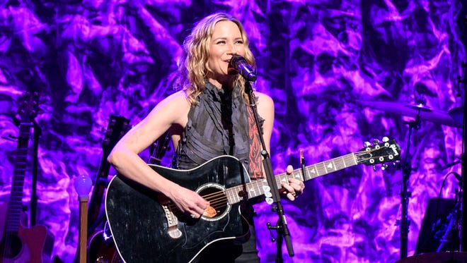 Jennifer Nettles will put her distinctive twang to Sugarland hits and her new solo music as the headliner for the CMT Next Women of Country Tour Saturday at the Resch Centre Theatre.