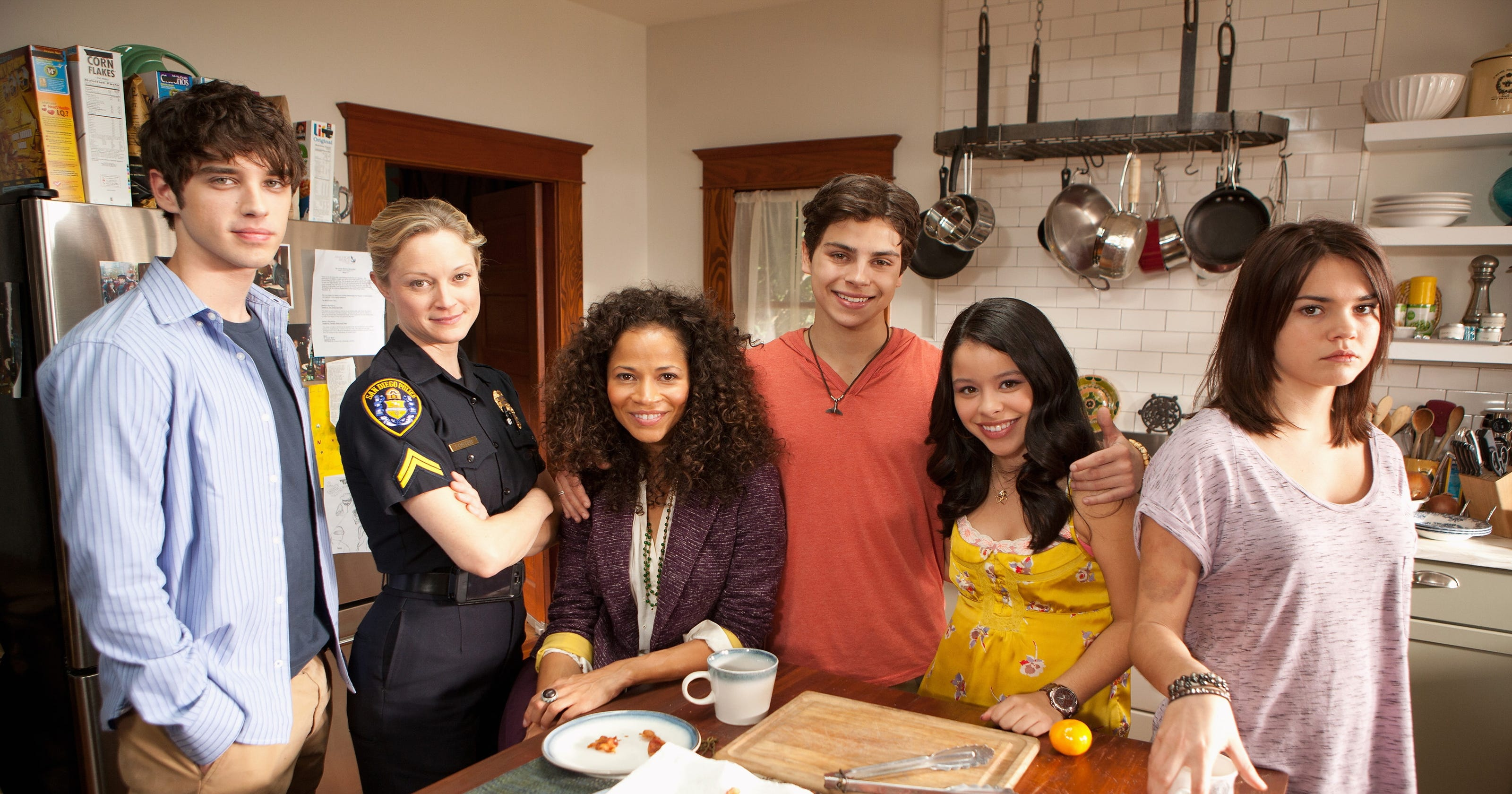 5 episodes of 'the fosters' that will lift your spirits