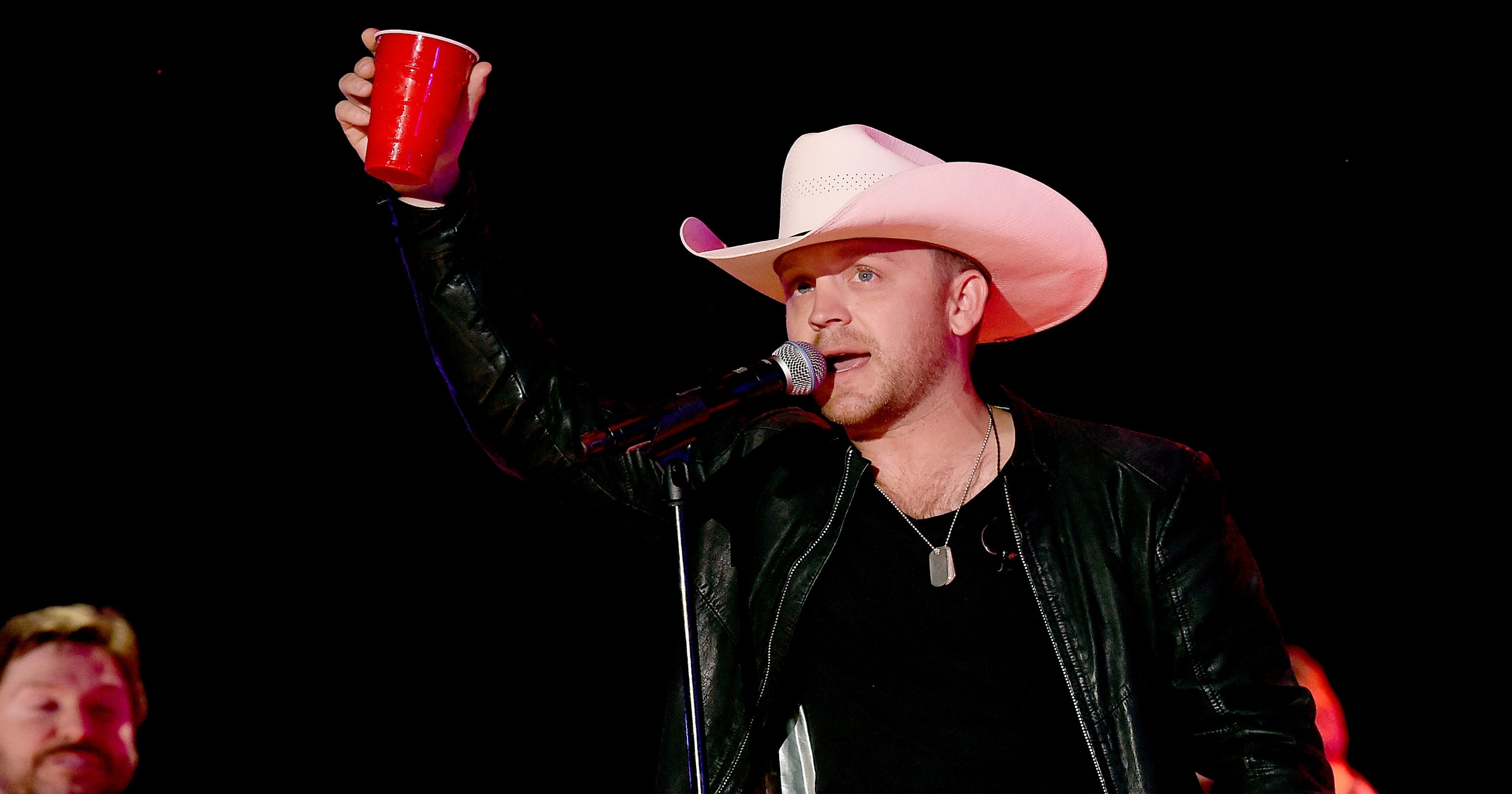 Country Singers Justin Moore And Dylan Scott Headed To Newark