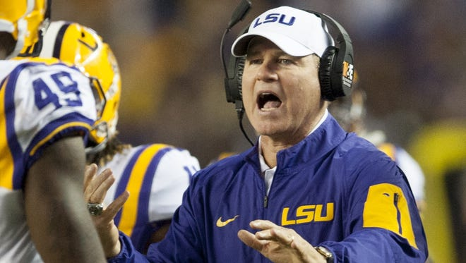 Former LSU head coach Les Miles may be interested in the football head coaching job at Oregon State, according to a recent report from the Corvallis Gazette Times.
