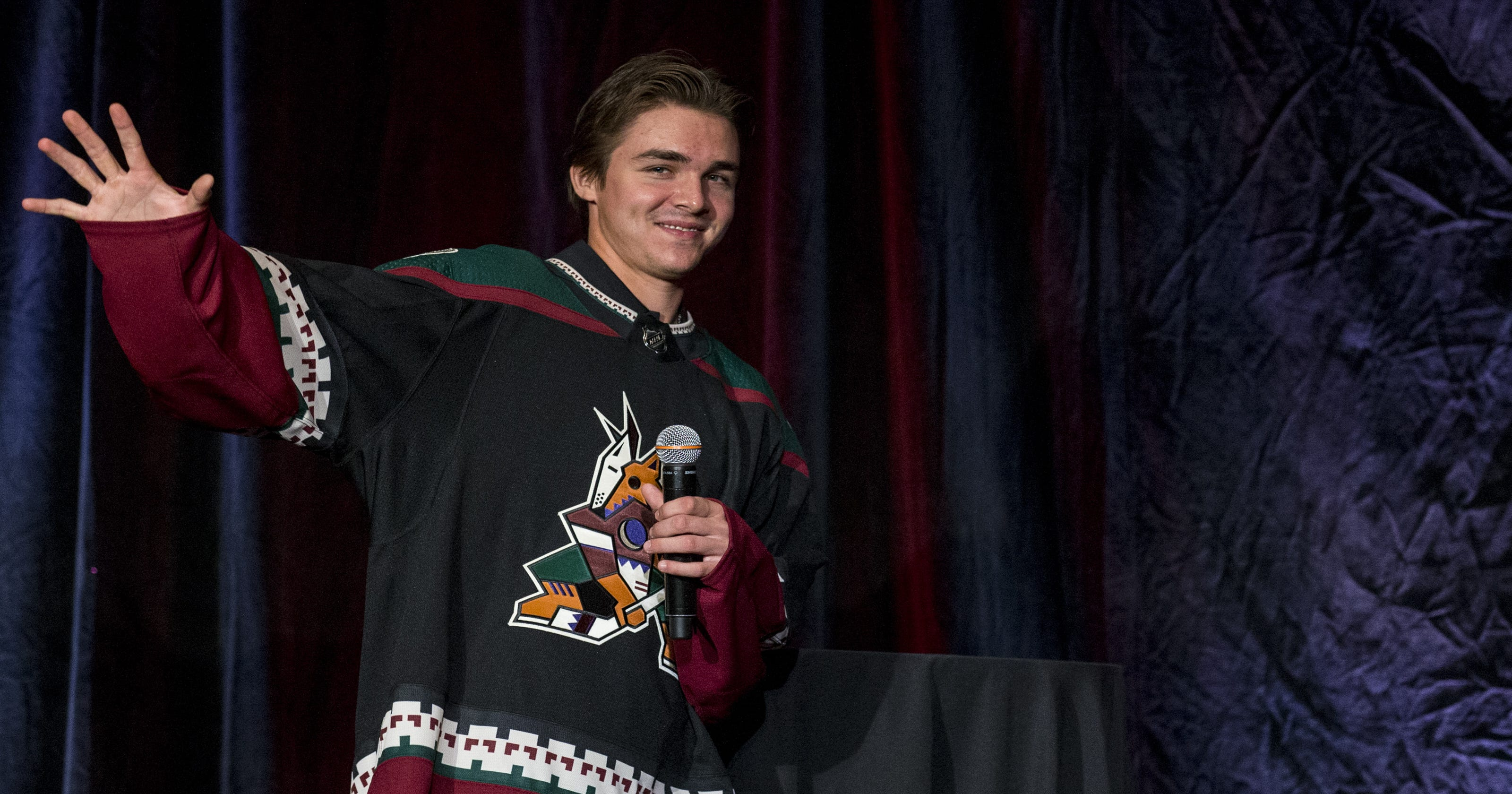 Arizona Coyotes to bring back Kachina sweater as third jersey 0a2acbe7c
