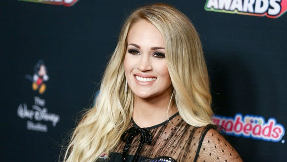 Carrie Underwood got in some momma time with her little boy before her show Friday night.