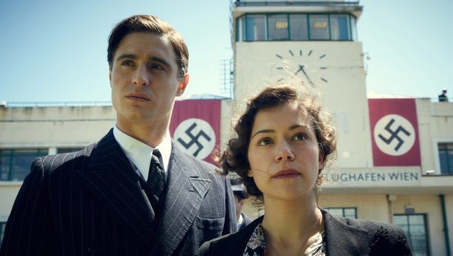 """Max Irons and Tatiana Maslany appear in """"Woman in Gold."""""""