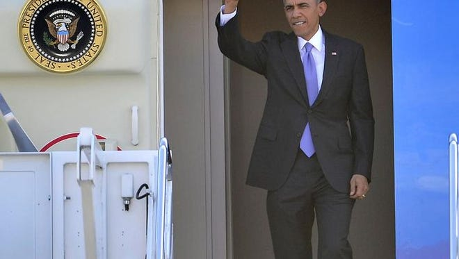 President Barack Obama and Vice President Joe Biden will visit Tennessee Friday to announce a new higher education initiative.